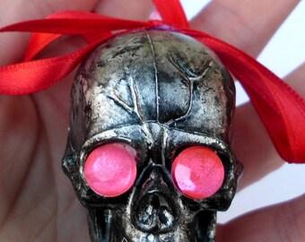 Skull Ornaments, Skull Ornament, Gothic Christmas, Gothic Christmas Ornaments, Gothic Decoration, Gothic Ornament, Goth Christmas, Skull Set