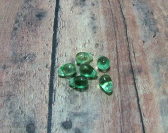 Peridot Teardrop Czech Glass Beads, Green Teardrop Beads, Czech Glass Beads, Teardrop Beads, Green Beads, Glass Teardrop, Destash, 4x6mm