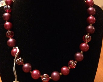 Pretty Vintage Burgandy Necklace