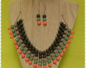 beads statement necklace grey & pastel