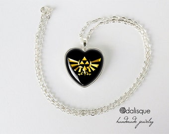 Zelda Necklace Legend of Zelda Hyrule Crest Pendant Triforce Jewelry heart pendant H53