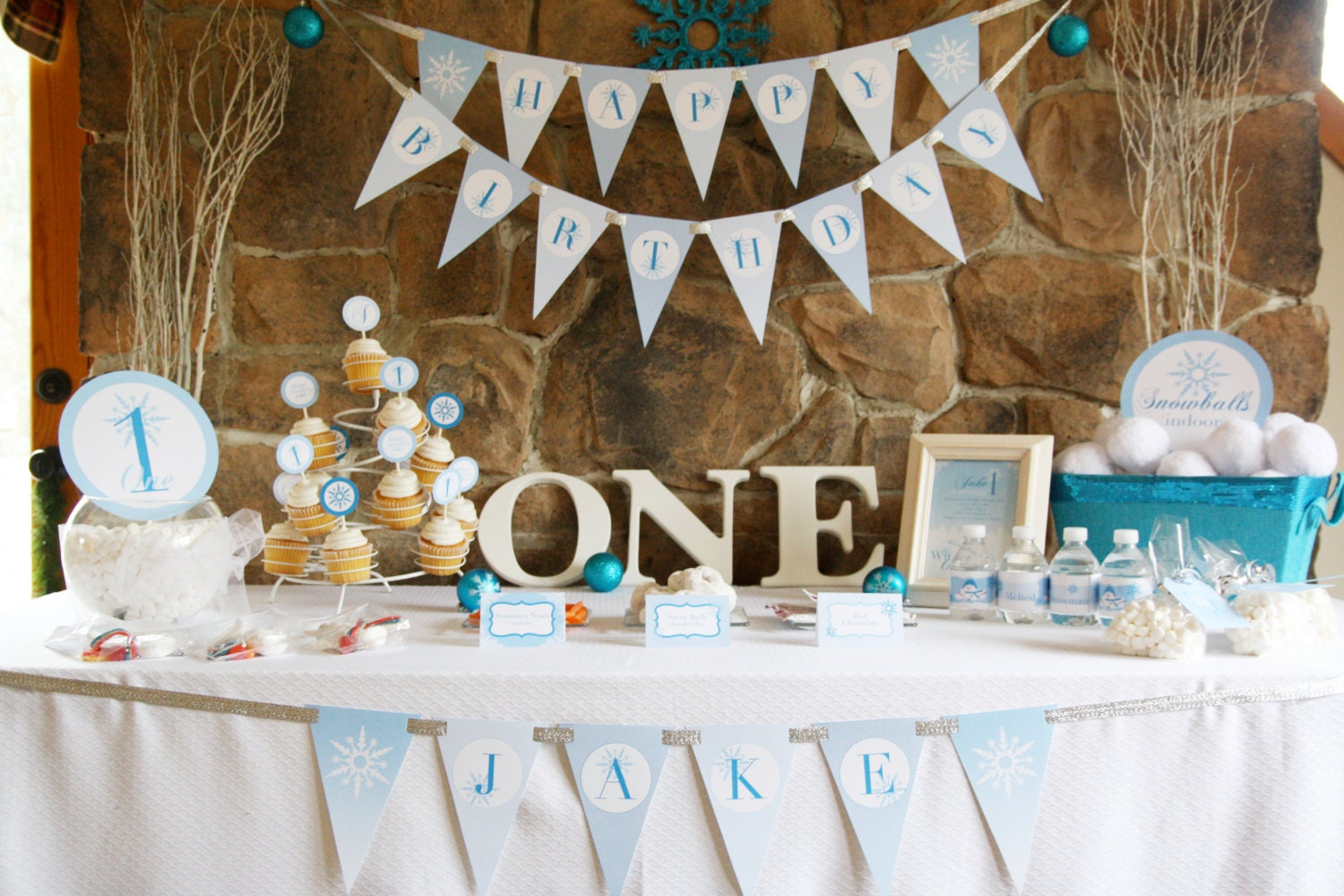 Winter onederland birthday party theme baby boy 39 s first for 1st birthday decoration pictures