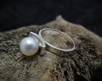 Sterling silver with Cultured Pearl ring