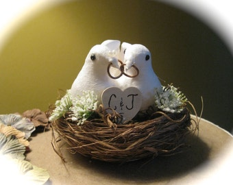 Personalized Rustic Wedding Cake Topper with Wedding Dove Couple in Nest in Choice of Two Colors