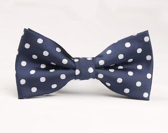 Mens Bowtie.Navy Bowtie With White Dots Bow Tie.Wedding Bowtie.Polka Dot Bow Tie