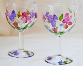 Paris small sweet pea design wine glasses, hand painted glass, set of 2, pair, glassware