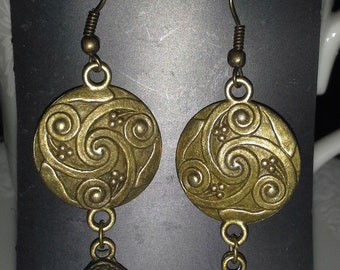 Vintage InspiredDecorative Shield Earrings = E 149