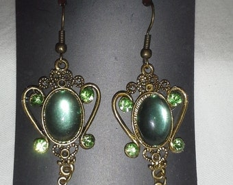 Vintage Designed with Peridot Crystals = E 163
