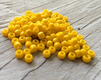 Toho glass seed beads  size 6 mixed sunshine yellow (S15)