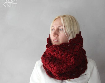 Chunky Cowl / Cowl Scarf / Red Cowl / Burgundy Cowl / Girlfriend Gift / Thick Knit Cowl / Birthday Gift / Gift for Her / Lacey Crochet Cowl