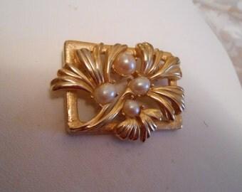 "Vintage brooch, signed ""Richelieu"" brooch, pearl and floral brooch, retro brooch, designer brooch, vintage jewellery"