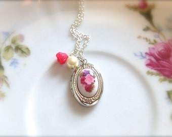 Floral Locket Necklace. Silver Opening Oval Locket. Red Glass Rose and Pearl. Silver Chain. Woodland. Pink Purple. Victorian. Vintage.