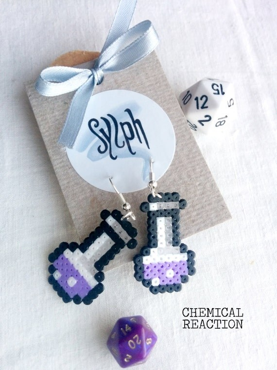 Beautiful light purple Chemical Reaction earrings in 8bit retro style, perfect gift for a biologist, chemist or labrat