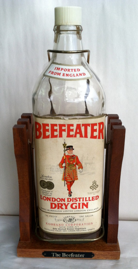 Vintage Beefeater Dry Gin Collectors Bottle Wood Stand