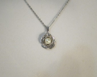 Faux Pearl Rose Necklace, Summer Trends, Silvertone Necklace, Rose Pendant Necklace