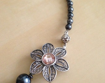 Faceted Peach Flower Pendant Gunmetal Faux Pearl Graduated Beaded Necklace