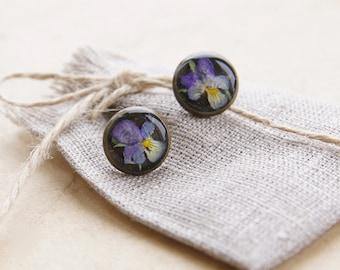 Real pansy flower earrings - Pressed flowers jewelry- Handmade Botanical jewelry - gift for gardener, ecologist, botanist - Viola arvensis