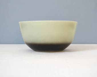 Vintage Anchor Hocking - Fire King Ombre Mixing Bowl