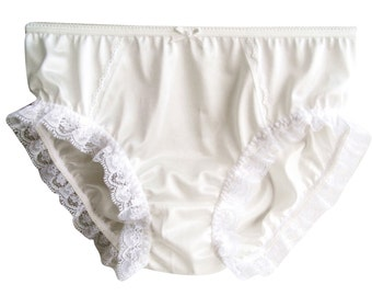 S1H40  White HANDMADE Hi-Cuts Panties Knickers Nylon Lingerie Women Underwear Lace PRETTY