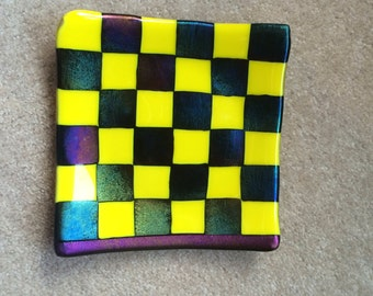 Checkerboard fused glass plate: dichroic + cabbie yellow