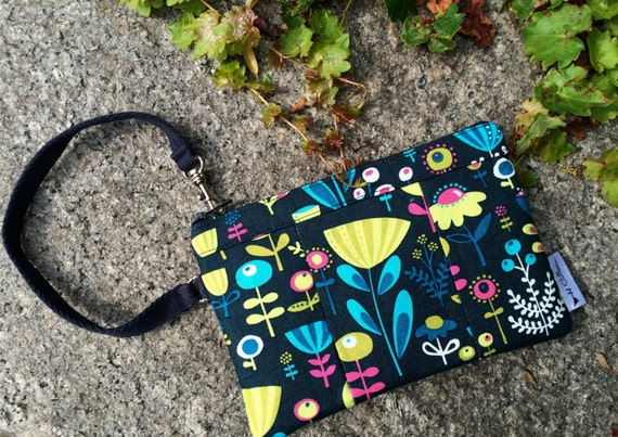 Wristlet- Blue Floral Poppy Wristlet, Wristlet Wallet, Cellphone Wristlet, Wristlet Purse, Wristlet Clutch
