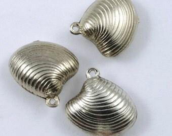15mm Silver Clamshell Charm (2 Pcs) #199