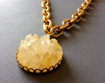 Quartz Crystal Points Statement Necklace - crystal brass chain choker  - yellow - crystal cluster pendant - chunky brass chain