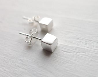 Cube Stud Earrings Posts Silver Cube Earrings Tiny Stud Earring Square Post Earings Minimalist Jewelry Geometric Earring Stud Dainty