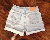 Vintage 90's High Waisted Levi's Shorts M