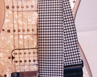 black and white houndstooth indie guitar strap