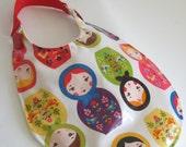 Baby Bib, Matryoshka Doll Bib, Laminated Cotton Bib, Waterproof Bib, Russian Doll Bib, Baby Girl Bib, Plastic Bib, Vinyl Bib, Baby Shower
