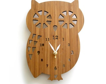 Owl wall clock, Nursery Decor, Spirit Animal, Baby Shower Gift, Kids Room Decor, Unique wall clock