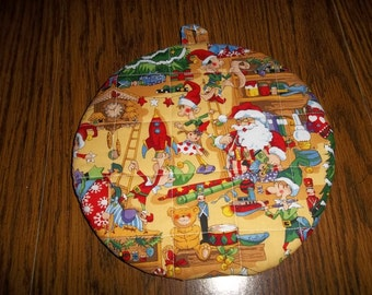 Hot Pads Quilted Santa's Work Shop Christmas Round Pot  Holder Cotton Fabric 9 Inches Double Insulated Trivet