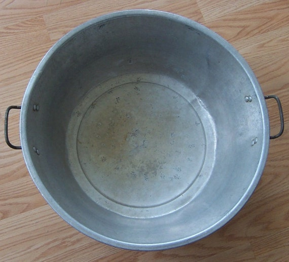 Vintage Aluminum Dish Pan Handled Industrial Wash Tub Planter