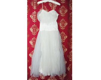 Vintage 1950s Prom Dress, White Tulle, Full Skirt, Fitted Bodice, Skinny Straps, Wedding, Bridal, Flower Fairy, White Dress