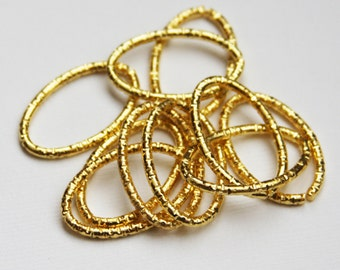 20 pcs of Gold  plated  hammered Oval Links 26x16mm