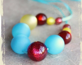 NEW : Necklace Sorbets fruités (Fruity sherbets) – curaçao, cherry and lemon resin beads, turquoise satin ribbon
