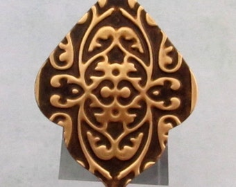 India Pendant, Embossed Brass, 47 mm, E88