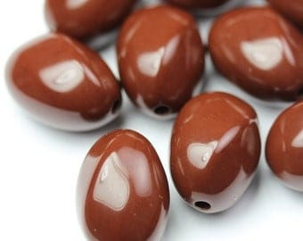 Vintage Lucite Beads Twisted Oval 16mm Brown (10) VPB241