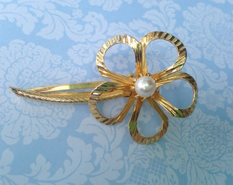 Vintage Gold Tone and Pearl Hair Clip