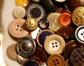 "13 Ounces ""Mixed Bag"" Vintage to Newer Buttons for Sewing & Crafts - 30%"
