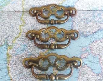 SALE! 3 vintage open design curvy shiny brass metal pull handles*