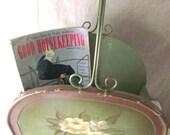 Bentwood Magazine Rack Newspaper Holder Wood & Metal Roses Cottage / Shabby Chic