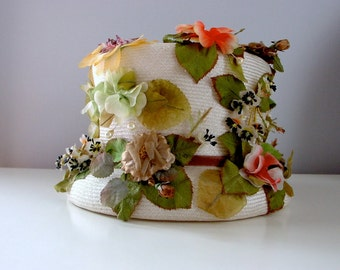 vintage English Garden hat . 1960s fun cute quirky floral small top hat straw hat antique white. charming tea party wedding derby easter hat