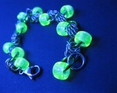 Oak Ridge - Vaseline Glass UV Reactive Chainmaille Bracelet