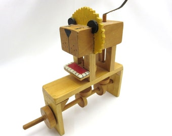 Moving Sculpture Wooden Art Toy Lion