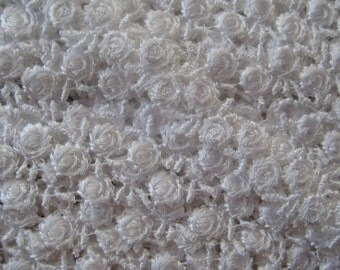 Venise Lace Delicate White Rosebud Trim Old Fashioned Favorite 2 Yards