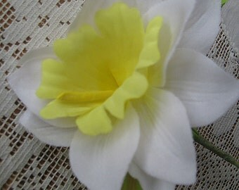 Vintage Czech Fabric Millinery Daffodil Flower  VF 044 W