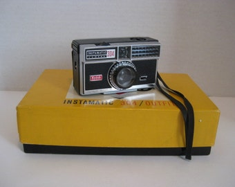 Vintage Kodak Instamatic 304 Camera Outfit With Original Box