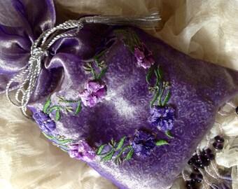 Lovely Beaded Lavender Drawstring Bag -  Wedding Gift - Mothers Day Gift - French Lavender Buds - Metallic drawstring - Velvet Flowers